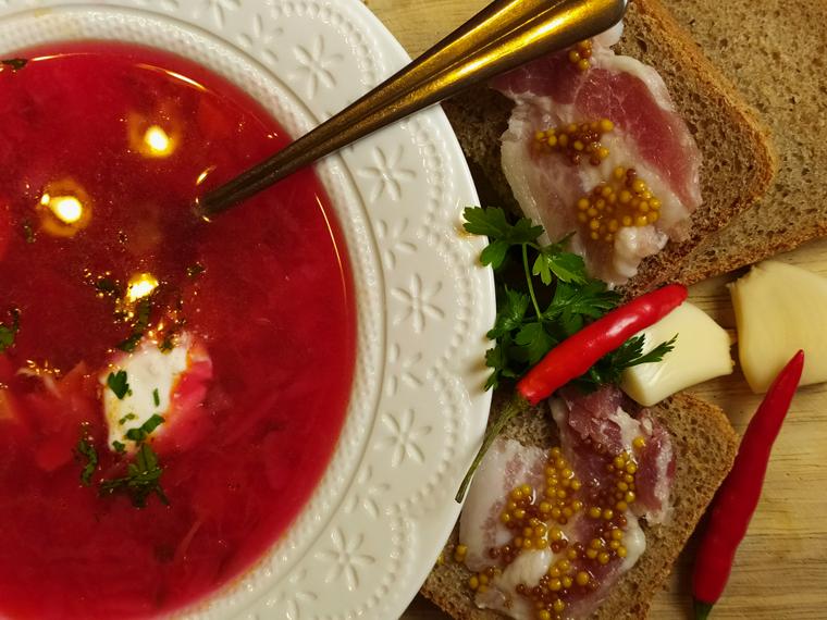 Рецепт свекольного борща с курицей, томатами и лимонным соком - шаг 13